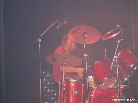 Michel PERRINET, à la batterie