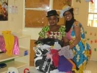 Fati et Fatchouma découvrent les déguisements !