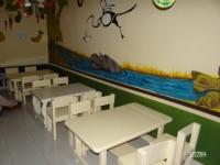 3 tables et 12 chaises fabriquées