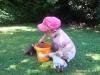 août 2013 : En France, Mila, arrière-petite-fille de Ninette, participe...